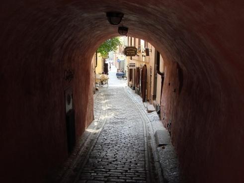 grotto tunnel street scene