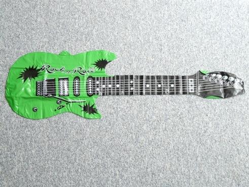 guitar luftleer platt