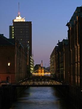 hamburg bridges water