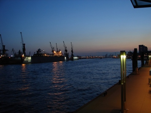 hamburg port twilight