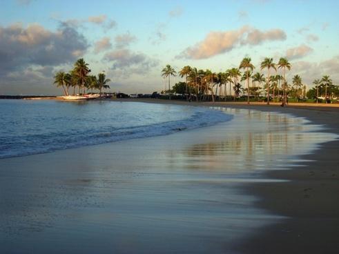 hawaii waikiki beach sand