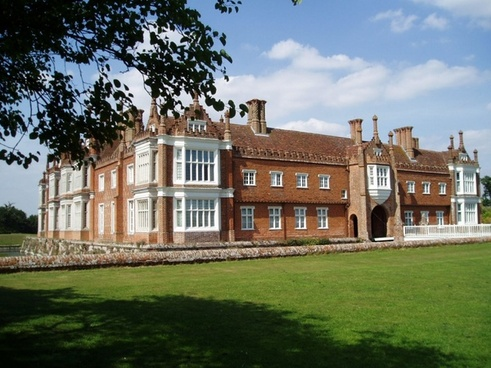 helmingham hall suffolk
