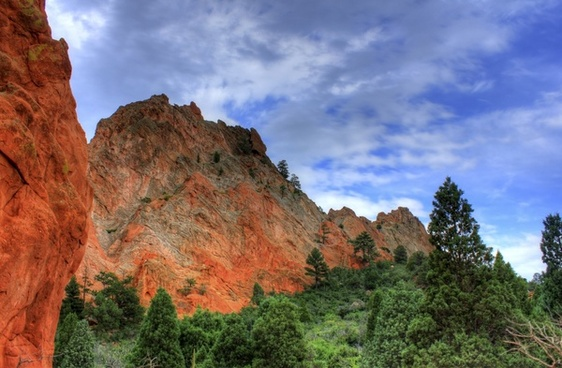 high rock formations at garden of the gods colorado