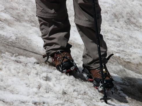 hiking shoes snow crampon