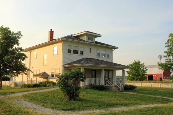 historic house on farm at prophetstown state park indiana