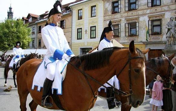 horses in city