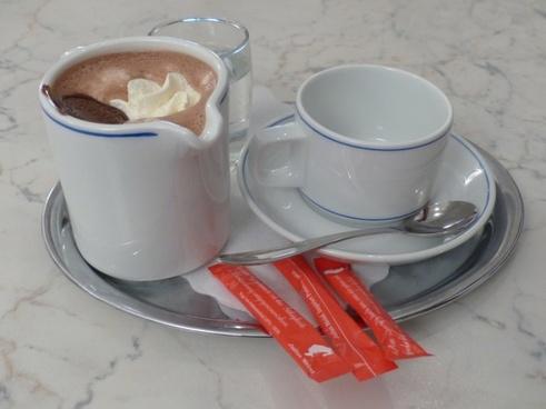 hot chocolate drink kaffeekaennchen