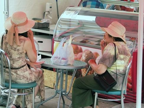 ice cream sisters