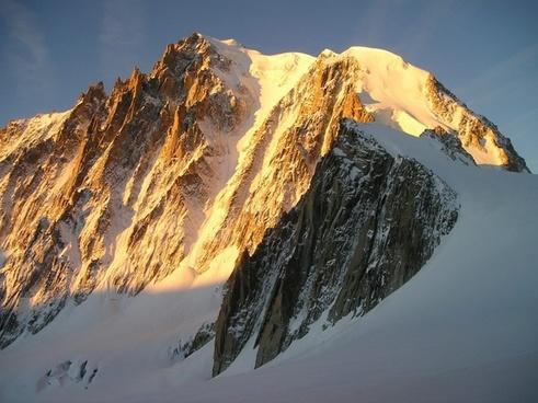 icy channel mont blanc du tacul chamonix