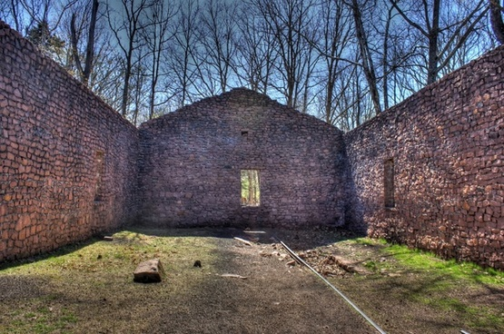 inside the building at elephant rocks state park