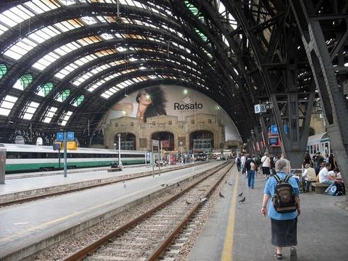 italy milano train station