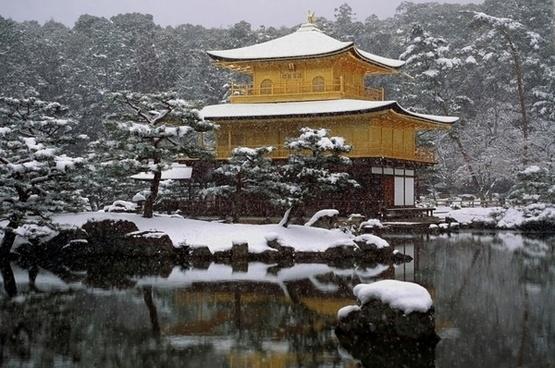 japan temple snow