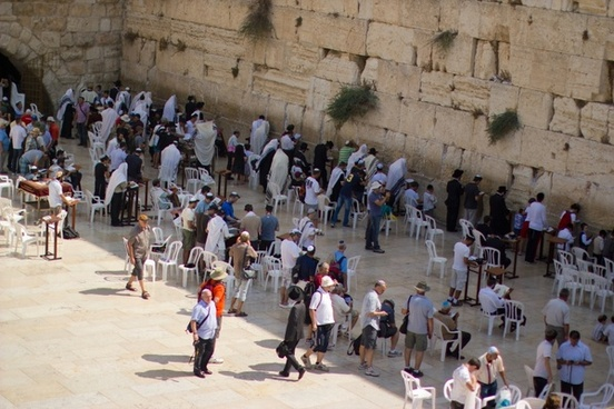 jerusalem wailing wall faithful