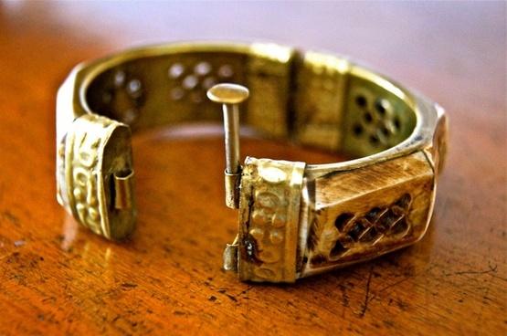 jewellery open antique