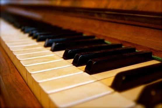 keys piano old