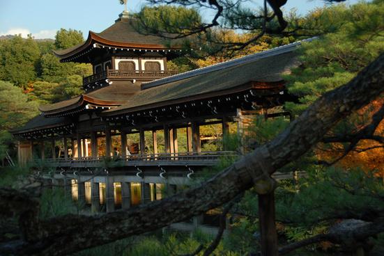 kyoto autumn leaves japan heian shrine