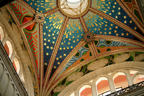 la almudena cathedral madrid