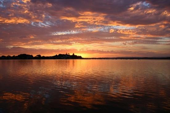 lake macquarie sunset water
