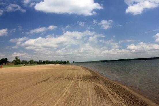lake shoreline at alum creek state park state park ohio