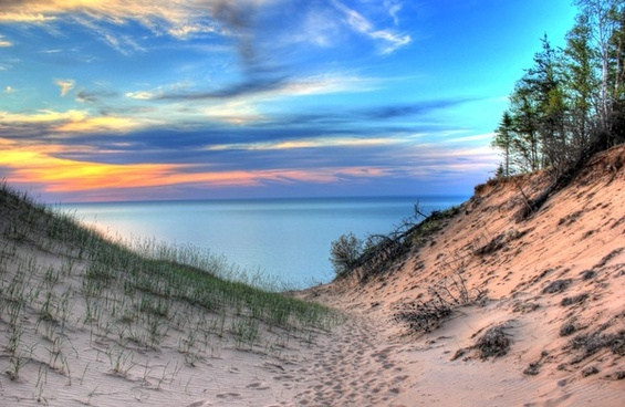 lake superior between the dunes at pictured rocks national lakeshore michigan