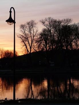 lantern abendstimmung river