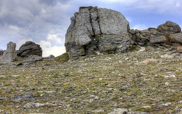 large rock at rocky mountains national park colorado