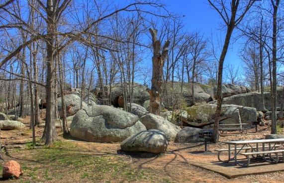 large rock formation at elephant rocks state park