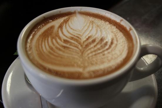 leaf latte art in a mug
