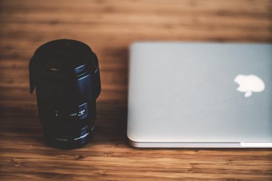 lens laptop