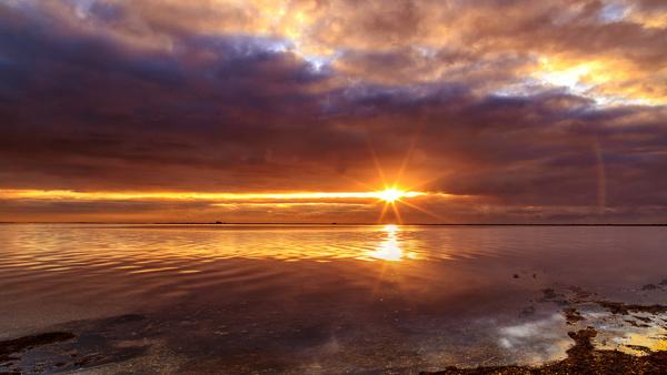 lever de soleil sur ltang