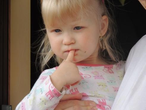 little girl blue eyes face