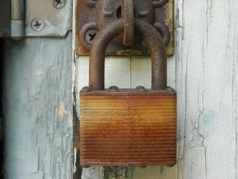 lock rusted rusty