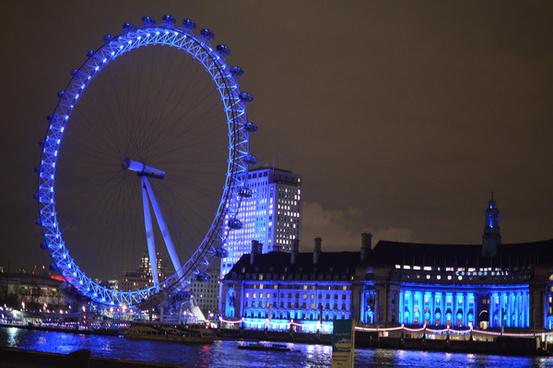 london eye lit up