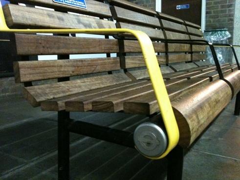 london underground bench
