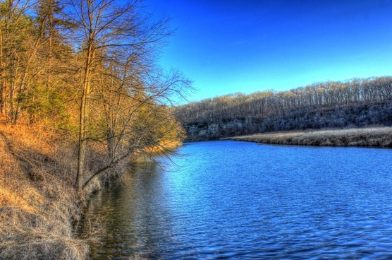 looking up the river at backbone state park iowa