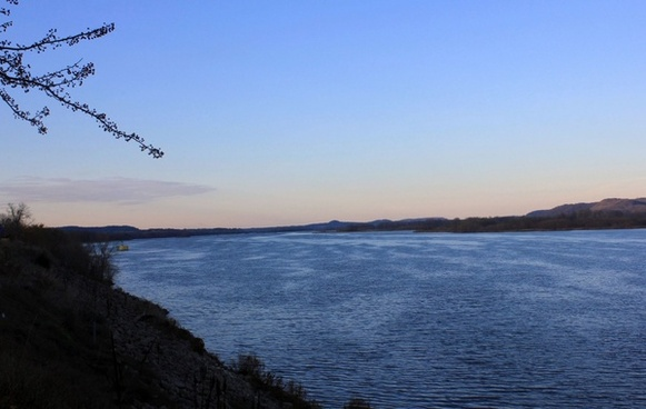 looking upstream at the mississippi in iowa