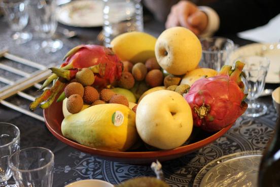 lychees dragonfruits mangoes
