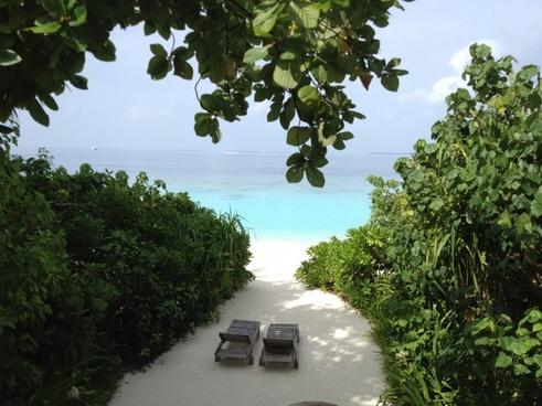 maldives resorts paradise