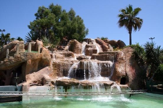 mallorca waterfall rock