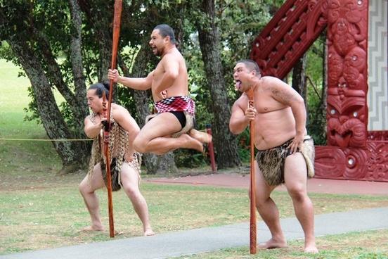 maori men jump