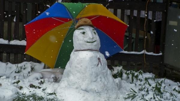 march snowman parasol