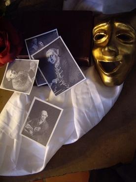 mask and garrick