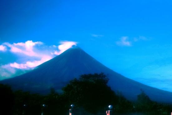 mayon volcano 2