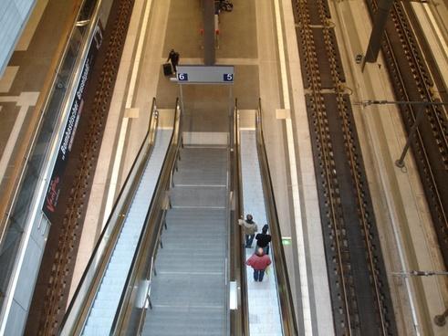 metro escalator train