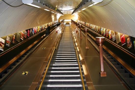 metro london escalator