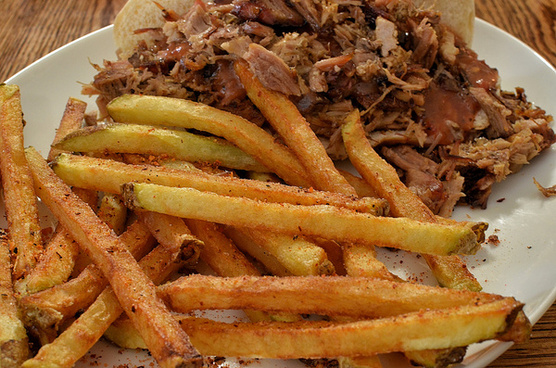 mmm fries and bbq pork sammich