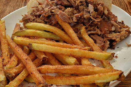 mmm fries and bbq pork sammich