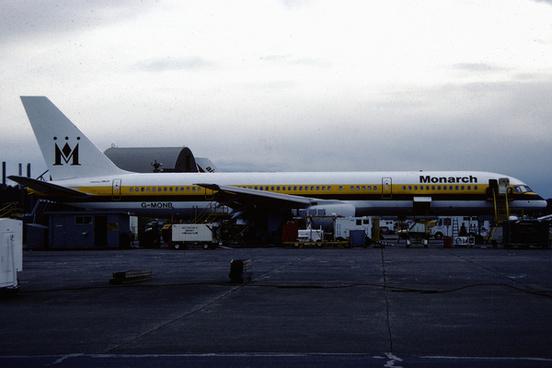 monarch airlines boeing 757 2t7 g monb1522780