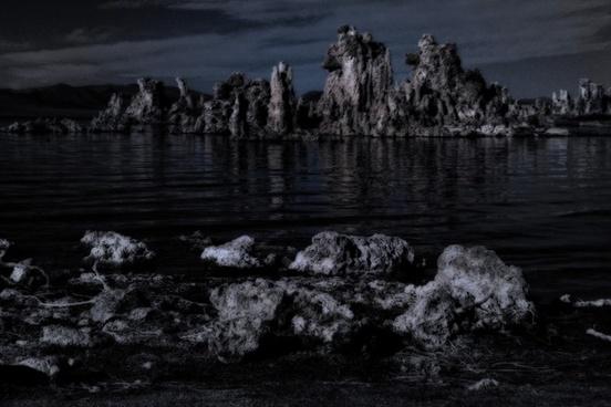 mono lake tufa desert