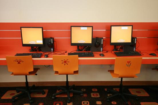 monrovia library orange computers